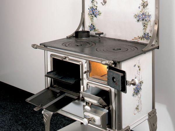 1877 - Nekaj se kuha