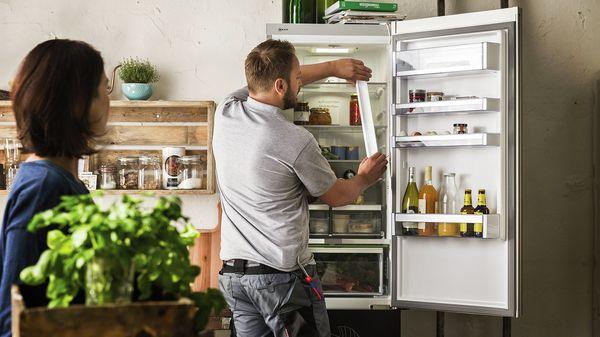 MCIM02264600 M 1 018 ContentTextMedia 16 9 full width 50 service support fridge freezer