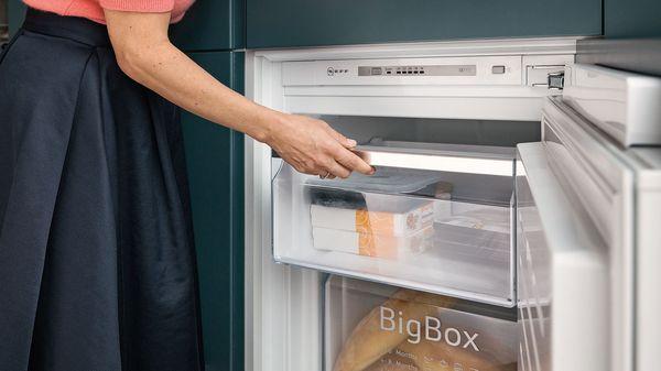 Kleiner Leiser Kühlschrank Mit Gefrierfach : Top funktionen unserer kühl gefrierkombinationen kühlschränke und