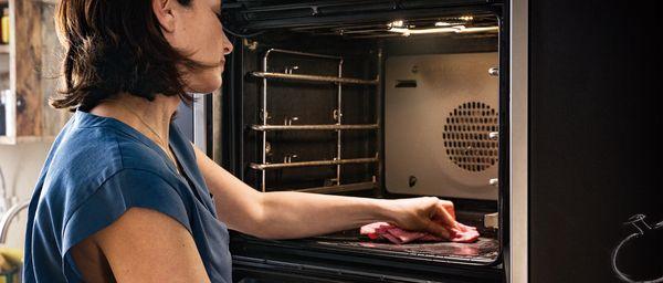 Backofen reinigen mit Hausmitteln - unsere Tipps | NEFF